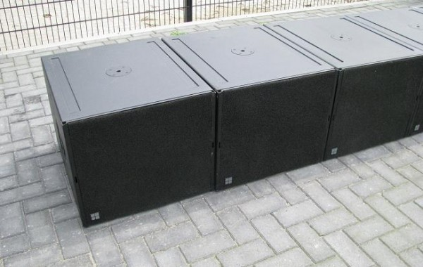 d&b audio Q subs