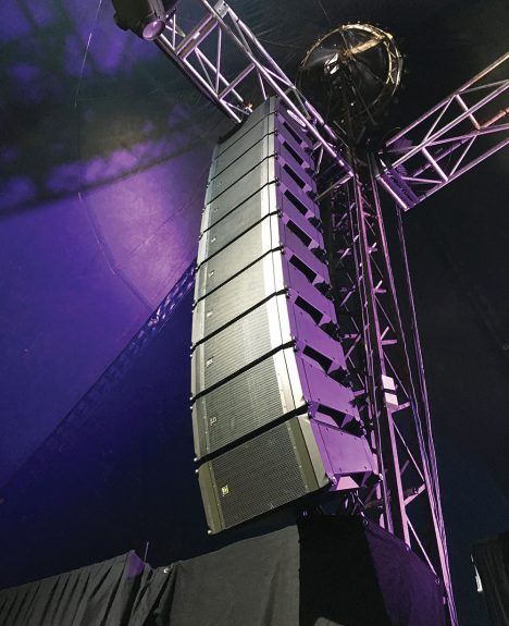 Electro Voice X2 line array