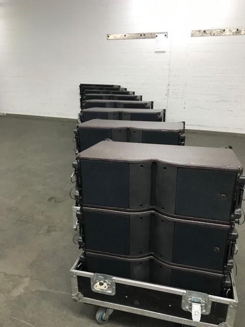 24 pieces L-Acoustics Kara + 8 flightcase